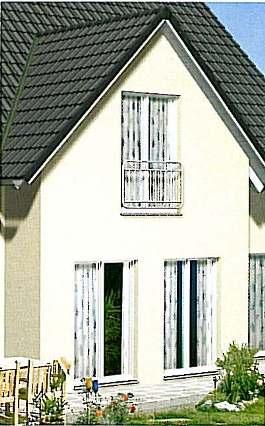 Zwerchgiebel, Fenster mit franz. Balkon